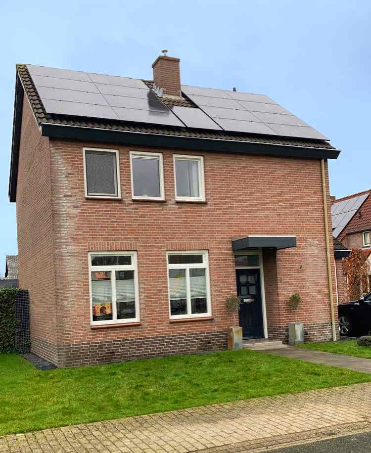 Kleine woning met veel zonnepanelen