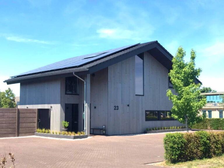 Luxe moderne woning met zonnepanelen