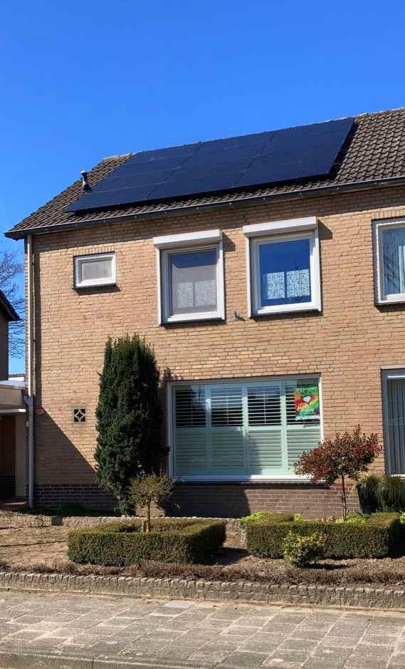 Tweekapper woning met zonnepanelen